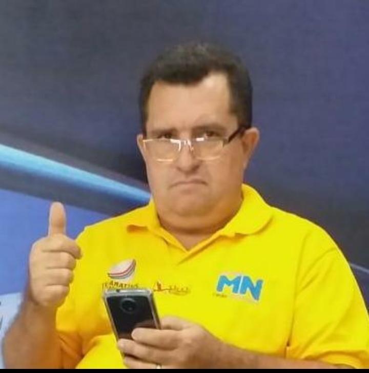 """Lindomar é apresentador do programa esportivo """"Show de bola"""" em Araguaína."""